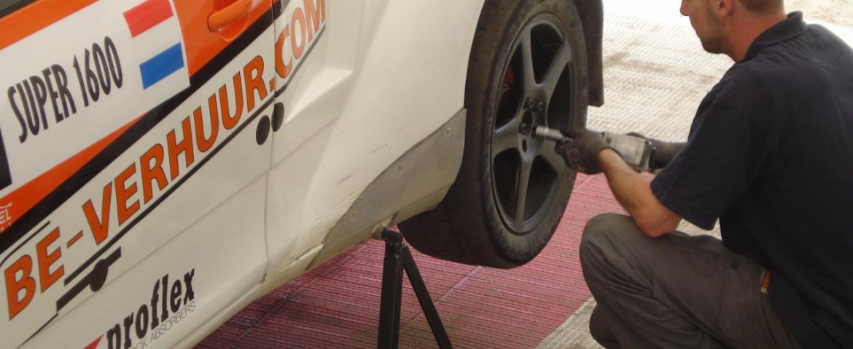 preparing for race Van Rijn Racing